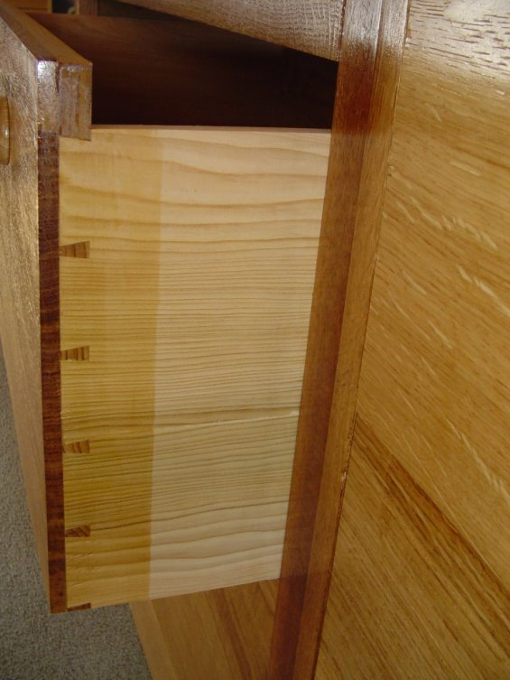 blanket chest of drawers dovetail joint