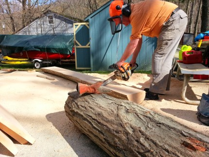 Hogg hand planking oak log 2