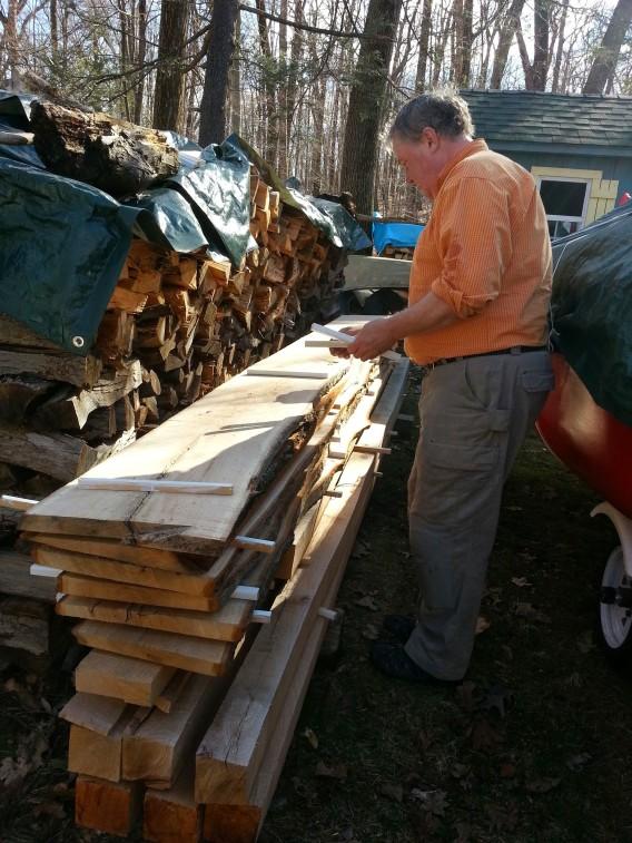 Hogg hand planking oak log 3