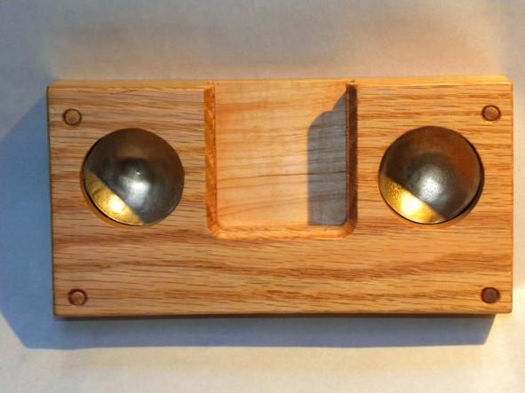 iPhone4 oak resonator front