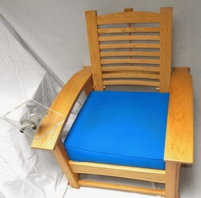 Morris chair with seat cushion