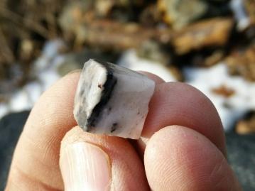 Quartz shale cube