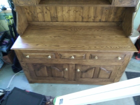 Welsh pot dresser bottom front