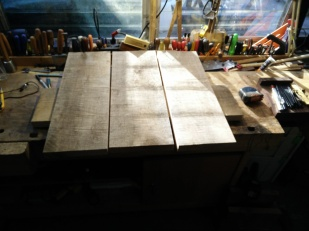 Horizontal Leg Table top planks